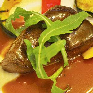 牛フィレ肉のポワレ 季節の厳選野菜と赤ワインソース(フレンチフルコース)