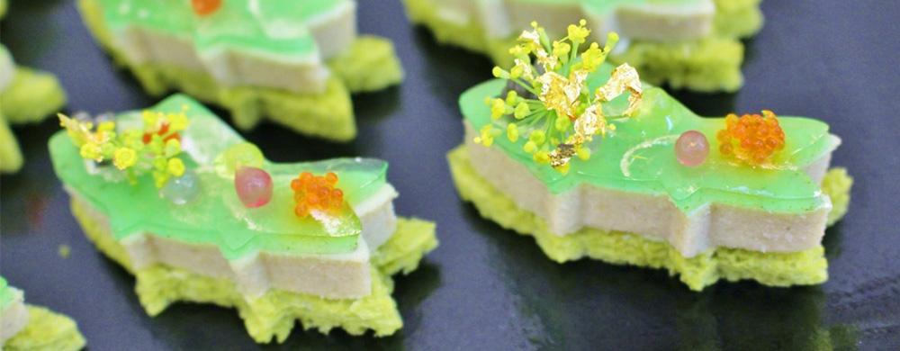 鮎のリエット さわやかな加賀太キュウリのジュレと海藻ビーズ