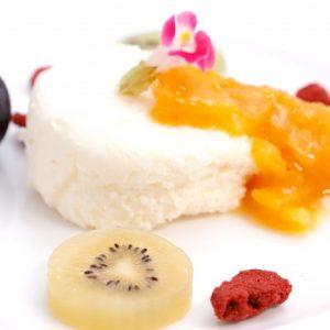 【デザート】クレームダンジュ 次郎柿のコンフィチュール 旬のフルーツと共に