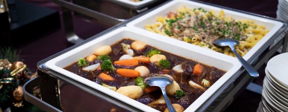 温製大皿料理 牛ほほ肉の赤ワイン煮込み