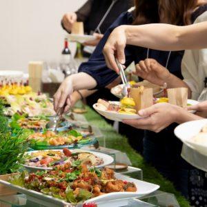 フィンガーフードや大皿料理など様々なバリエーションのお料理をご用意します