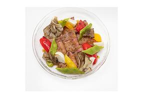 ローストビーフと季節野菜のオーブン焼き  オニオンバーベキューソース