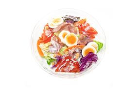 旬の白菜と生ハムのシーザーサラダ