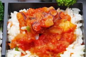 タコのトマト煮込み ガーリックライスと共に