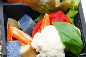 エビと2色のジャガイモのマリネ&水牛モッツァレラチーズのカプレーゼ